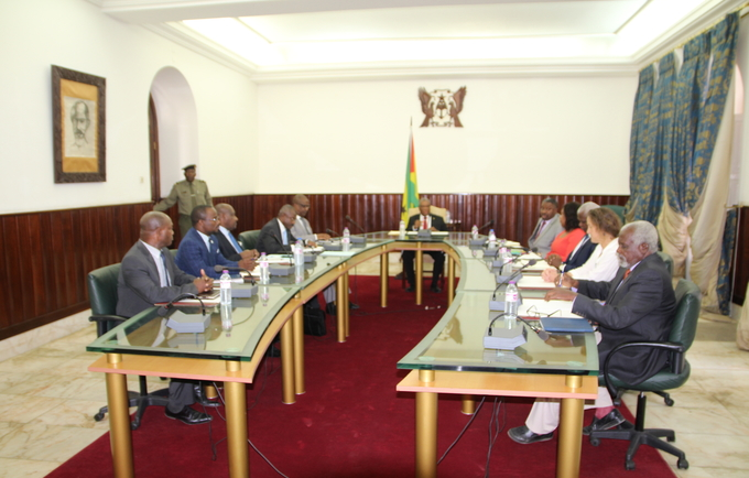 Presidente da República, Evaristo Carvalho, reúne com representantes de órgãos de soberania e da OMS.